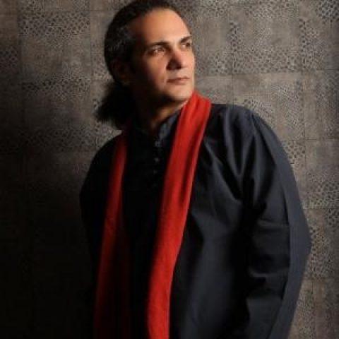 اهورا ایمان: من یک خواننده تماموقت و ترانهسرای پارهوقت هستم