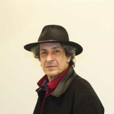 نادر مشایخی: به خاطر یک نامه عاشقانه من نزدیک بود 50 نفر از بچههای مدرسه اخراج شوند!