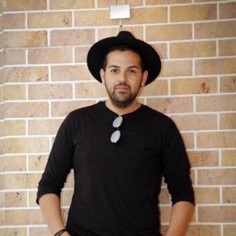 عماد طالبزاده: هنر در کشور ما با تب پیش میرود