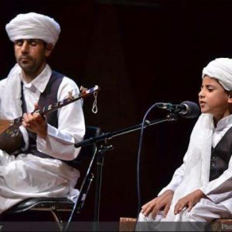 از نواختنِ دوتارِ «محمد درپور» تا پایکوبی سیستانیها